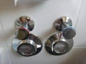 absperrhahn badezimmer absperrhahn im bad wie bekomme ich den quot drehkopf quot ab