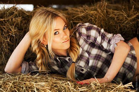 Hot farm girl