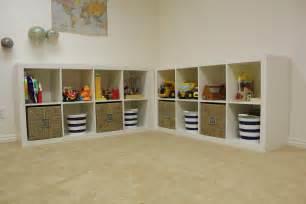 spielzeug aufbewahrung regal everywhere beautiful playroom update storage