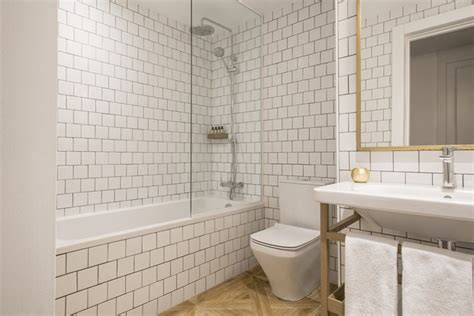 bathroom privileges midmost el m 225 s ecl 233 ctico hotel boutique de barcelona