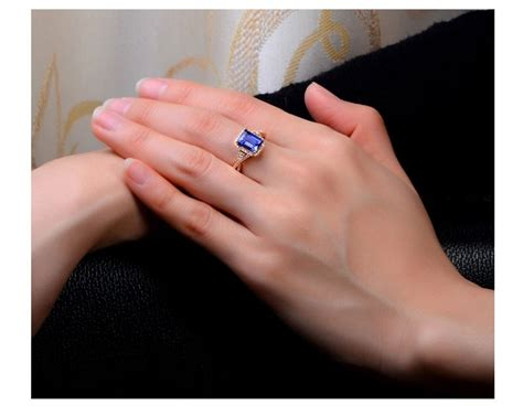 beautiful 2 carat blue sapphire and engagement