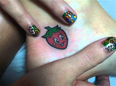 katy perry new tattoo 2014 katy perry talks tattoos and strawberries youtube