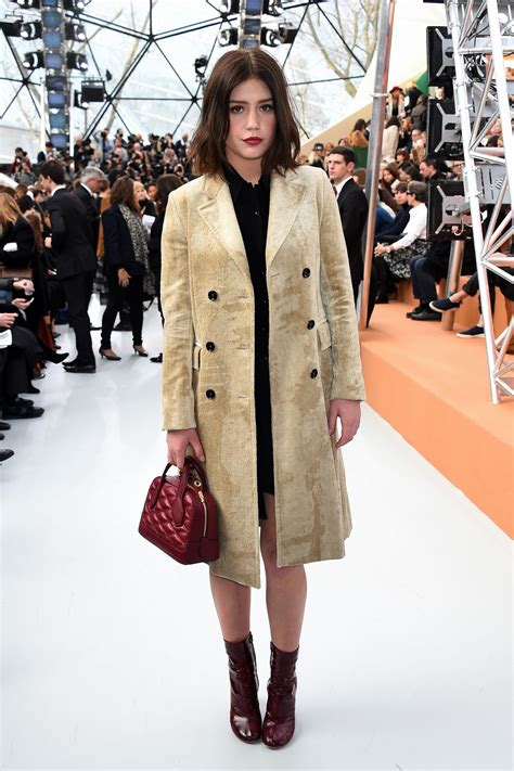adele exarchopoulos style adele exarchopoulos style louis vuitton fashion show in