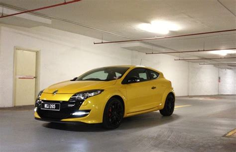 home wot f1 inspired renault megane rs hot hatch unveiled w renault megane rs265 test drive review drive safe and fast