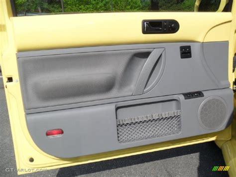 2001 Vw Beetle Door Panels by 2003 Volkswagen New Beetle Gl Coupe Grey Door Panel Photo