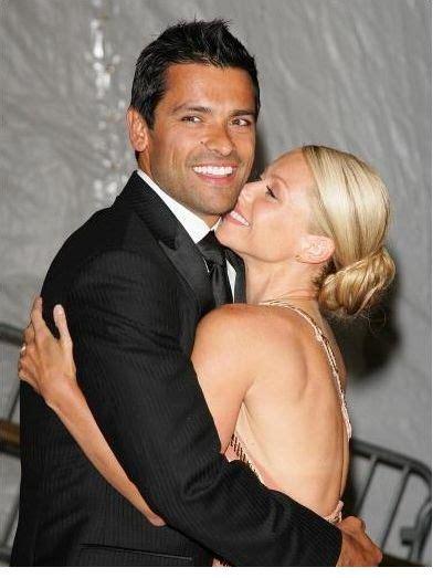 mark consuelos kelly ripa kiss 301 moved permanently