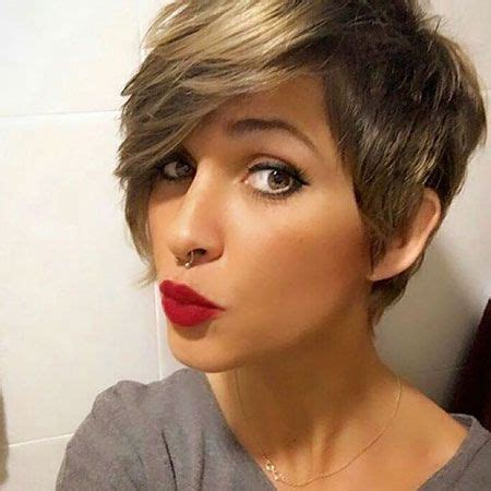 coloring pixie haircut best 25 pixie cut color ideas on pinterest pixie