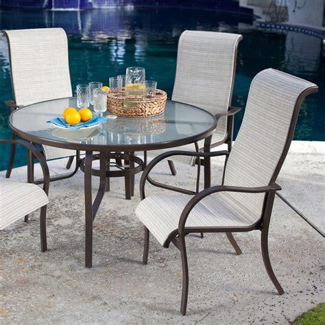 5 Piece Round Outdoor Dining Set.. Retail Price