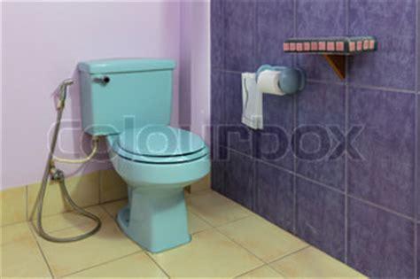 Toilettenschüssel Mit Bidet by Wc Sch 252 Ssel Und Bidet In Einer Toilette Stock Foto