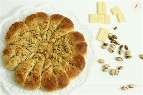 fiore di pasta brioche fior di brioche con pasta madre al cioccolato bianco e