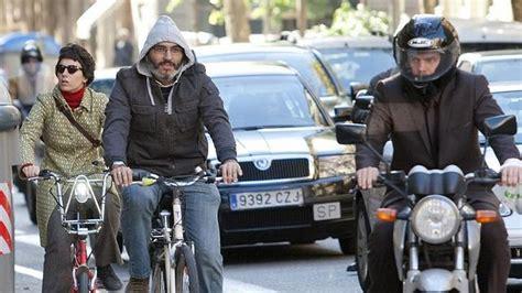 oficina de la bici madrid barcelona sancionar 225 a los conductores que acosen a los
