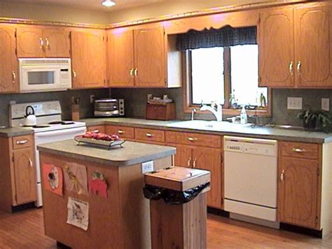 Kitchen Wall Colors Oak Cabinets | kitchen wall colors with oak cabinets kitchen wall colors