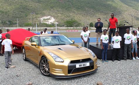 usain bolt new car usain bolt gets a special gold 2014 nissan gt r in jamaica
