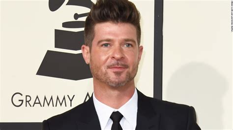 robin thicke gets a buzz cuttake a look e online robin thicke bing images
