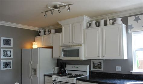Gray Kitchen Walls With White Cabinets Gray Kitchen Cabinets With White Walls Quicua