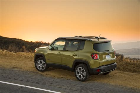 2015 Jeep Renegade 4x4 2015 Jeep Renegade Limited Suv 4x4 Wallpaper 3000x2000