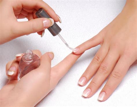 painting nails tips for applying nail tips