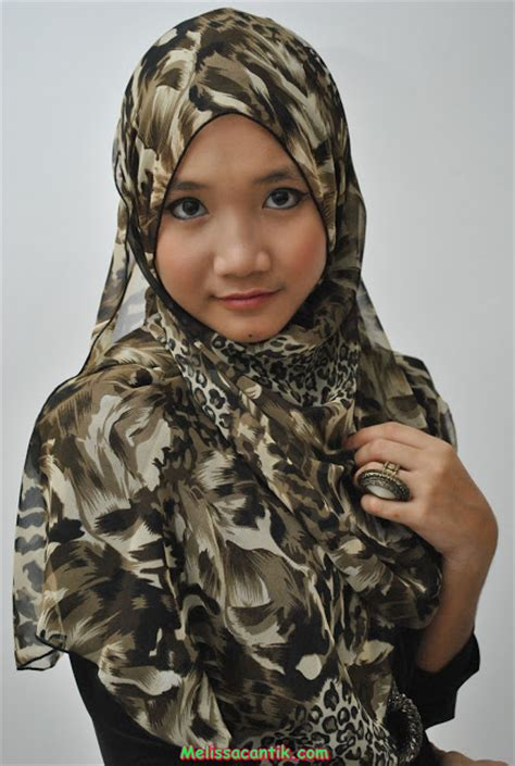 Model Jilbab Jadi Terbaru koleksi gadis berhijab cantik jadi foto model terbaru 2014