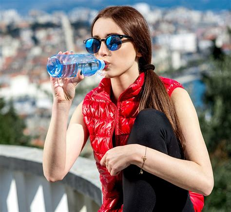 samantha lefave how to clean your reusable water bottle self