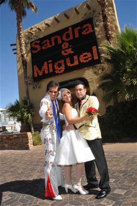 Wedding Vows In Vegas by Renewing Your Vows In Vegas Renew Your Vows In Las Vegas