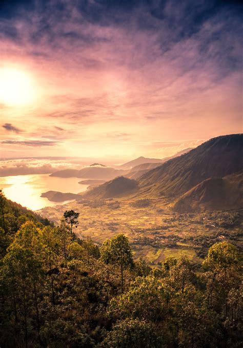 Morning Danau Toba sumatra indonesia sunset times