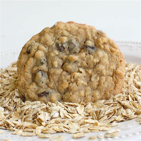 my ate raisins chewy oatmeal raisin cookies the who ate everything