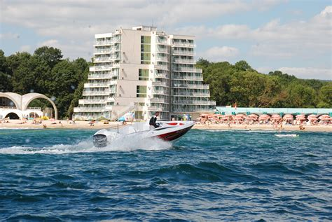 best wake surfing boat 2017 towboat design ski 19 wake boat wakesurf boat ski