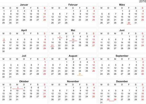 Kalender Uhrzeit 2018 Zadarmo Ilustr 225 Cia Kalend 225 R 2018 Zaplatiť Mesiacov