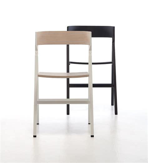 sedie chiudibili sedia pieghevole in legno ideale per il contract idfdesign