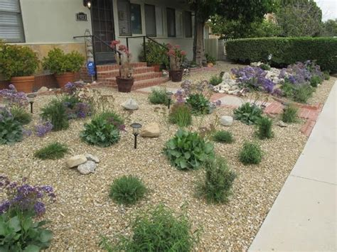 Backyard Ideas To Replace Grass Some Landscapers Are Helping Drought Stricken California