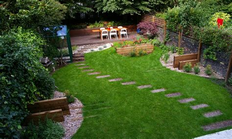 Landscape Ideas For Small Backyards Small Backyard Ideas That Can Help You Dealing With The Limited Space Theydesign Net