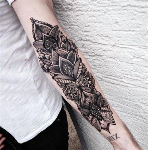 tattoo arm zum anziehen die 25 besten ideen zu tattoo unterarm frau auf pinterest