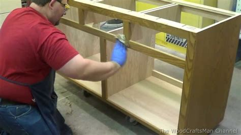 building custom oak cabinets episode 8 applying the stain