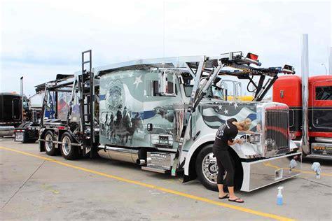 show trucks earn hardware  walcott truckers jamboree