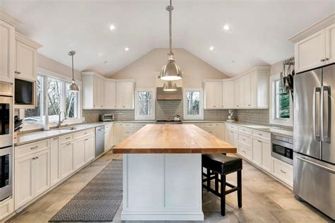 Kitchens With Cathedral Ceilings Pictures by Transitional Kitchen With Cathedral Ceiling New
