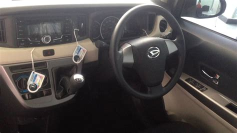 Headrest Mobil Daihatsu Sigra daihatsu sigra sahabat impian keluarga