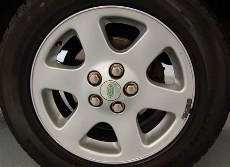 18 inch aluminum wheel on 2003 2004 land rover discovery