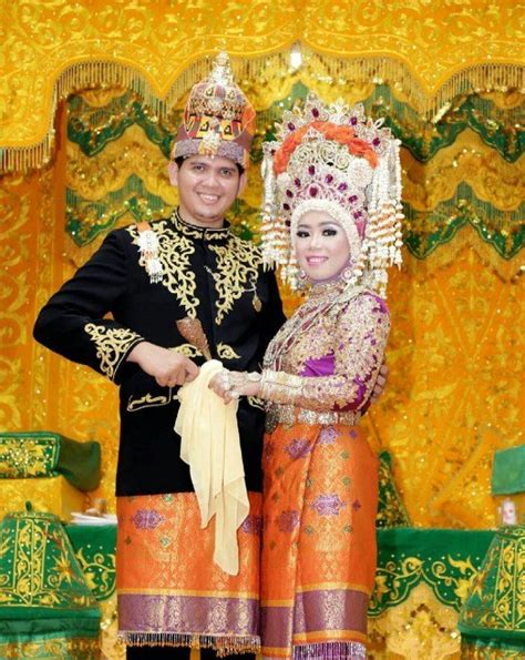 Ciri Ciri Baju Adat Aceh pakaian adat wilayah sumatera indonesia steemit
