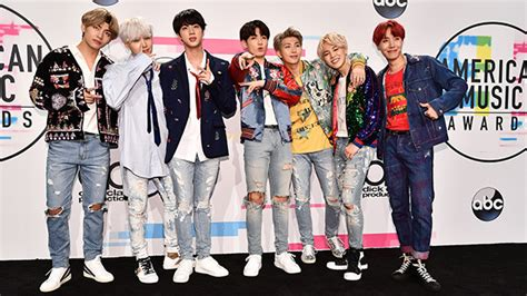 bts on ama boy george disses bts at amas he slams chainsmokers for