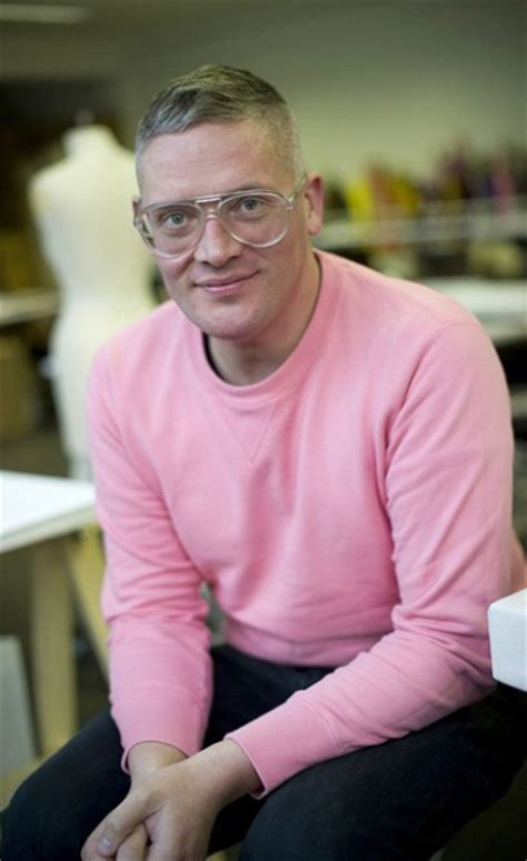 Giles Deacon Henry And Co Team Up With Sims To Design Accessories Range by Emanuel Ungaro To Continue Without A Designer Telegraph