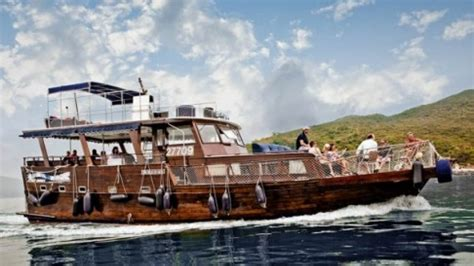 junk boat hire hong kong 51 amazing things to do in hong kong your ultimate guide