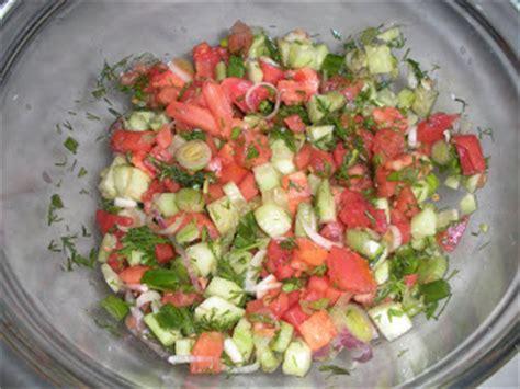 the art of uzbek cuisine: achichiq chuchuk(salad with