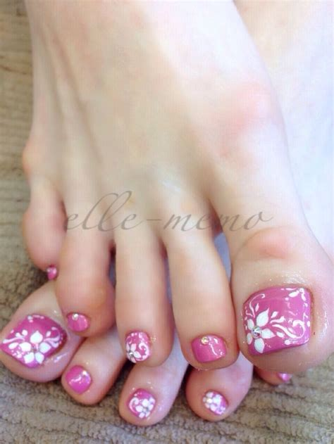 flower design on toes 20 adorable easy toe nail designs 2017 pretty simple