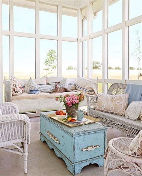 wicker furniture adding cottage decor feel to modern