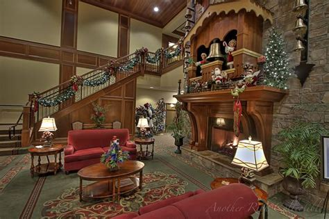 christmas place inn pigeon forge tennessee