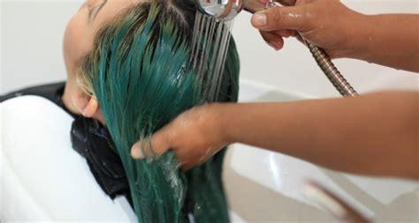 Berapa Hair Manicure memberi uang tip saat nyalon seberapa penting daily
