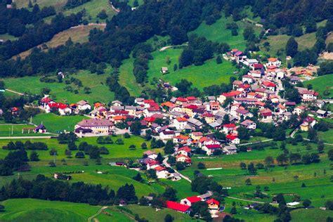 imagenes de paisajes urbanos y rurales banco de im 193 genes la ci 241 a viviendo en paisajes rurales