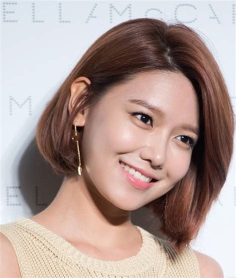 model rambut pendek wanita terbaru ala korea