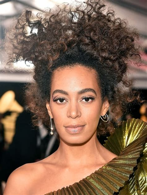 solange hair styles parted in the middle solange s hairstylist jawara dishes on grammys natural