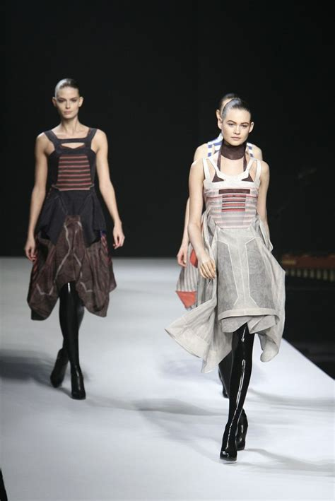 Fashion Week Fall 2007 Jayson Brunsdon Elegance And Cinematic Drama Second City Style Fashion by 17 Best Images About Chalayan Hussein On